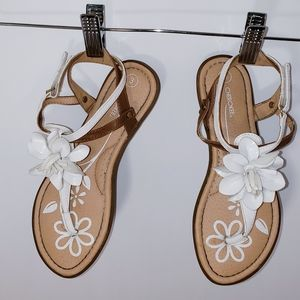 Girls Patent Flower Sandals Cherokee Size 3